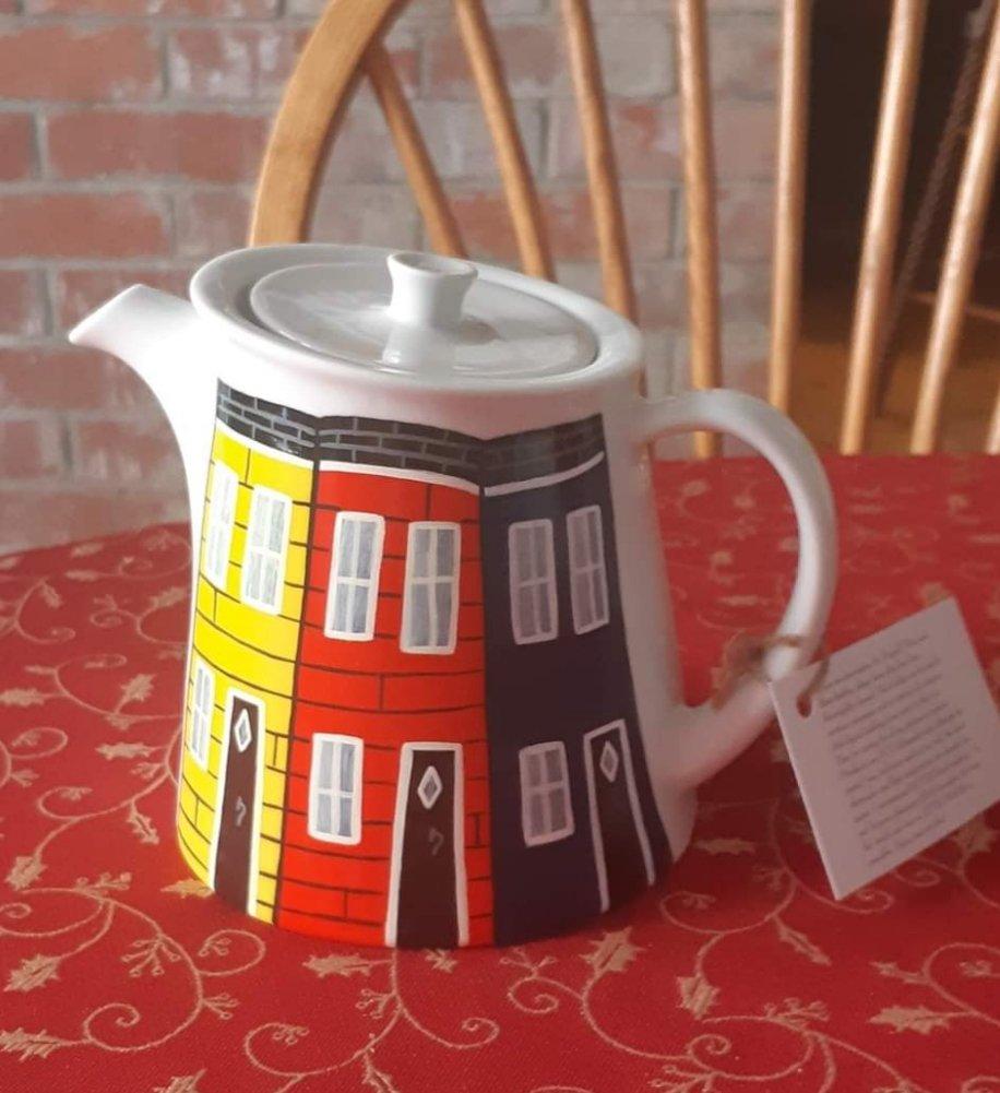 jelly-bean-row-teapot